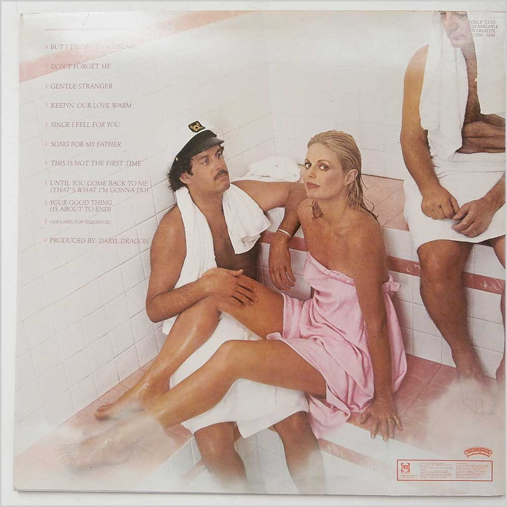 Captain And Tennille - Keeping Our Love Warm (NBLP 7250)